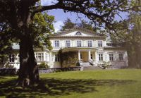 Ahlbackan kartano - Ahlbacka manor. Private house.