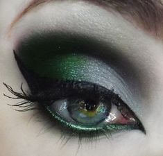 Emerald green and Gray. Cat eye makeup