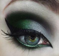 Emerald green and Gray. Cat eye makeup