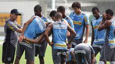 BotafogoDePrimeira: Jogadores do Bota marcam protesto e   planejam gre...