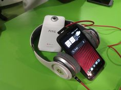 HTC One X with Beats Solo headset Beats Solo, Htc One, Headset, Gadgets, Headphones, Headpieces, Hockey Helmet, Ear Phones, Gadget