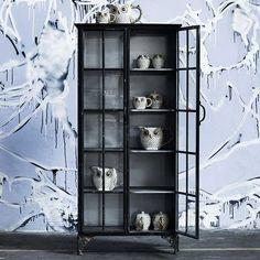 Vitrine downtown Glas-Cabinet von Nordal