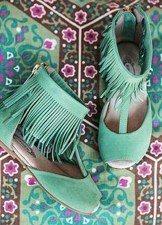http://freshgypsy.com/post/87346389432/itty-bitty-boho-shoes-for-my-baby-gypsy-joyfolie