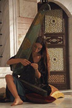Street Musician, Arabian Nights, Art Music, Belle Photo, Character Inspiration, Fine Art, Artwork, Photography, Beauty