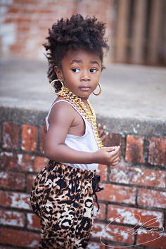 Cutie rocking this afro punk style. Beautiful Black Babies, Beautiful Children, Beautiful People, Precious Children, My Hairstyle, Afro Hairstyles, Toddler Hairstyles, Natu Hair, Curly Hair Styles