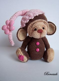 This little monkey is as sweet as they come, at approx.no pattern, but I just had to post her (in crochet) Crochet Monkey, Knit Or Crochet, Crochet For Kids, Crochet Crafts, Yarn Crafts, Crochet Projects, Crochet Amigurumi, Amigurumi Patterns, Amigurumi Doll
