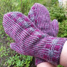 Rät & Avig: Tvåändsstickning Fingerless Mittens, Knit Mittens, Mitten Gloves, Wet Felting, Needle Felting, Wrist Warmers, Twine, Knit Crochet, Wool