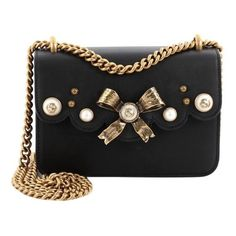 Pre-Owned Gucci Pearly Peony Chain Shoulder Bag Leather Small (69,835 DOP) ❤ liked on Polyvore featuring bags, handbags, shoulder bags, black, genuine leather purse, genuine leather handbags, leather shoulder handbags, real leather purses and chain strap purse