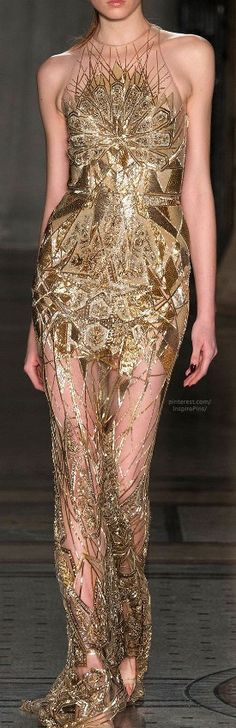 gorgeous detailing on this gold couture gown // Fall 2014 Ready-to-Wear Julien Macdonald Gold Fashion, High Fashion, Fashion Show, Fashion Design, Beautiful Gowns, Beautiful Outfits, Cool Outfits, Amazing Outfits, Gorgeous Dress