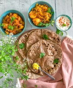 Ragi (millet) rotis/chapati Ragi Recipes, Ghee Butter, Flatbread Recipes, Chapati, Food Print, Side Dishes, Brunch, Easy Meals, Indian