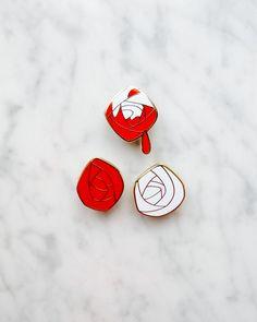 Processus de création d'un pin's disneyland Paris pour le pin trading Disney http://www.leblogdelamechante.fr/blog-mode/realiser-reve-inaccessible/