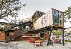 Shipping Container Architecture, 6 Restaurants in the Contenedores Food Place Container Home Designs, Container Van, Shipping Container Design, Container Office, Cargo Container, Shipping Containers, Container Architecture, Container Buildings, Sea Containers