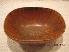 Annons på Tradera: Carl Harry Stålhane Rörstrand skål keramik Ceramic Design, Pottery Art, Serving Bowls, Decorative Bowls, Tableware, Home Decor, Dinnerware, Decoration Home, Room Decor