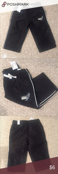 NWT Boys track pants NWT Boys black track pants, size 12-18 months Children's Place Bottoms