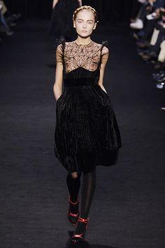 Givenchy Fall 2006 Ready-to-Wear Fashion Show - Snejana Onopka