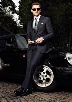 Vintage Porsche; vintage-look black suit