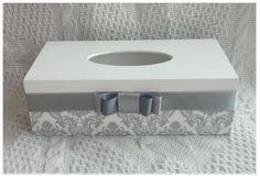 Chustecznik biało szary - zdobiony metodą decoupage :)  więcej na mojej stronie na fb (DecoupageGallery) zapraszam! :)