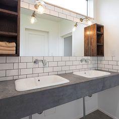 の洗面台/モールテックス/エッセンス蛇口/タイル/バス/トイレについてのインテリア実例を紹介。(この写真は 2017-09-21 21:47:16 に共有されました) Bathroom Toilets, Washroom, Yellow Houses, Shower Faucet, Building A House, Kitchen Design, New Homes, House Styles, Home Decor