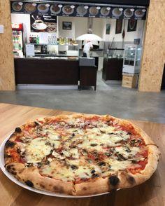 Kde si dáš v Bratislave najlepšiu pizzu? Bratislava, Vegetable Pizza, Vegetables, Food, Essen, Vegetable Recipes, Meals, Yemek, Veggies