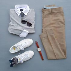 Mens Fashion and Style - Flat Lay Casual Style - yes or no? Mode Outfits, Casual Outfits, Fashion Outfits, Fashion Clothes, Elegantes Business Outfit, Mode Hipster, Daily Fashion, Mens Fashion, Gucci Fashion