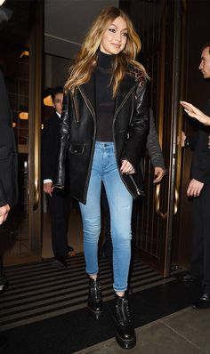 Gigi Hadid's laid-back yet polished style has always inspired our wardrobes. Take a closer look at some of her best outfits. - The Gigi Hadid Style Moments We're Still Talking About Gigi Hadid Looks, Gigi Hadid Casual, Style Gigi Hadid, Gigi Hadid Outfits, Gigi Hadid Fashion, Gigi Hadid Skinny, Gigi Hadid Jeans, Celebrity Outfits, Celebrity Style