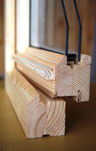 Деревянное окно класса «Эконом» Чем деревянное окно класса «Эконом» отличается от «Евро»? Прежде всего, привлекательной ценой при высоком качестве. Отлично сохраняет тепло и здоровую атмосферу в помещении, не пропускает пыль и шум. Идеальное применение – дома для летнего проживания. Не отказывайте себе в здоровом воздухе на даче