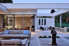 Villa de lujo http://www.arquitexs.com/2014/10/villa-de-lujo-wa-elaurent-Guillaud-Lozanne-Architecte.html