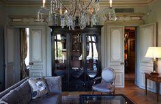 http://www.hola.com/decoracion/2014052071401/apartamento-lujo-paris-mis-en-demeure/