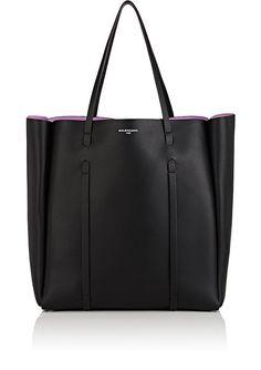 BALENCIAGA Everyday Medium Tote Bag. #balenciaga #bags #shoulder bags #hand bags #leather #tote #lining #