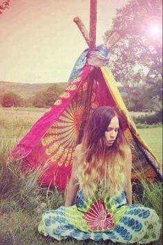 hippies paris fashion, fashion weeks, tie dye, dresses, street styles, flower power, hair, hippie life, bohemian