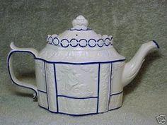 LEEDS CASTLEFORD Feldspathic Stoneware TEAPOT 19th Cent (11/30/2007)