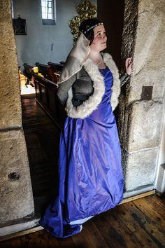 XIV century silk surcote with woolen dress.   All the details and the dress made by https://www.facebook.com/pages/Pracownia-Stroju-Historycznego-Fraucymer/945697452121231?pnref=story  Photos:  https://czarnesrebro.wordpress.com