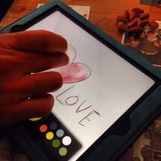 """""""Ama muchas cosas, porque en amar existe la verdadera fuerza y quien ama mucho logrará mucho, y lo que se hace con amor está bien hecho"""" - Vincent Van Gogh -  ¡Muy bien dicho, Van Gogh! ¡A por el luuuuunes! (Ay omaita, ¡que sueño!).  Ali LOVE #love #amor #happy #handmade #tablet #ipad #Apple #events #eventos #eventplanner #Cádiz #weddings #weddingblogger #weddingplanner #weddingsinSpain #weddinginspiration #destinationweddings #bodas #inspiration #inlove #lunes #monday"""
