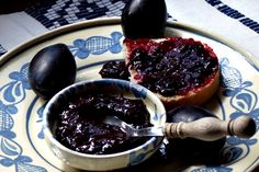 Plum butter - 'Magiun de prune' is a foodstuff, in the form of rich sweet paste, obtained through boiling plums without adding sugar or any other sweetening agent.It's very rich in vitamins, minerals and is a rich source of energy. Plum Butter, Hungarian Recipes, Hungarian Food, Canning Pickles, Jacque Pepin, Plum Jam, Romanian Food, Chocolate Fondue, Acai Bowl