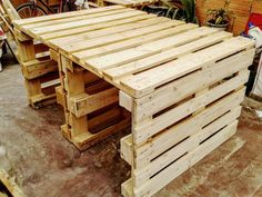 Wooden Pallet Dining Table - Easy to Build