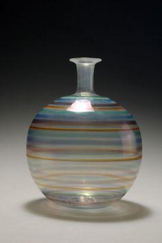 Carlo Scarpa. Vase 'a fili'. H. 17.5 cm. Designed in 1942. Made by Venini & C.