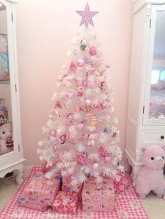 Thinking about girly and shabby chic Christmas trees? Then try these adorable Pink Christmas tree Ideas that will make your hme look romantic & magical. Types Of Christmas Trees, Pink Christmas Tree, Christmas Tree Design, Whimsical Christmas, Beautiful Christmas Trees, Christmas Tree Themes, Xmas Tree, Christmas Fun, Christmas Mantles