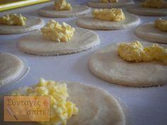 Τυροπιτάκια με σπιτική ζύμη κουρού - Νόστιμες Συνταγές Cookies, Desserts, Food, Crack Crackers, Tailgate Desserts, Deserts, Biscuits, Essen, Postres