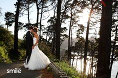 Atardecer novios en Urgull Wedding Dresses, Fashion, Dresses, Wedding Pictures, Creative Photography, Creativity, Wedding Inspiration, Boyfriends, Animales