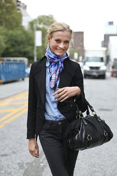 New York Street Style - Rome Street Style - Milan Street Style - Berlin Street Style Business Looks to Inspire women men for more fashionable outfits on working floor! Lovely to look @ your best! Silk Neck Scarf, Silk Scarves, Looks Street Style, Looks Style, Look Fashion, Winter Fashion, Womens Fashion, French Fashion, City Fashion