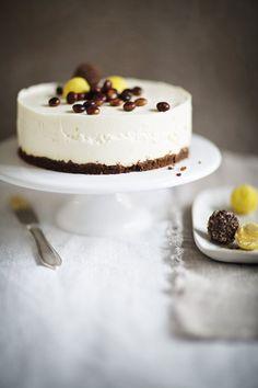 Juustokakku | Juhli ja nauti, Makea leivonta | Soppa365 Sweet Bakery, Piece Of Cakes, Cheesecakes, Cake Recipes, Food Photography, Muffins, Sweet Treats, Deserts, Food And Drink