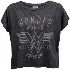 Wonder Woman Oversized Ladies' Pocket Tee from ThinkGeek. Saved to Style by Rhian. Wonderwoman Shirt, Wonder Woman Outfit, Wonder Woman Clothes, Oversized Shirt, Oversized Tops, Wonder Women, Geek Chic, Lady, Tee Shirts