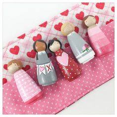 Valentine Peg Dolls Mini roll-up Set // Valentine by PegHeads Wood Peg Dolls, Clothespin Dolls, Pretty Pegs, Clothes Pegs, Operation Christmas Child, Doll Painting, Wooden Pegs, Wooden Crafts, Tiny Dolls