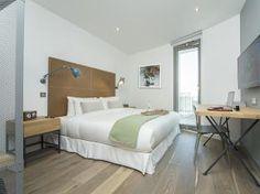 Urban Villa Hotel London - Master Villa bedroom