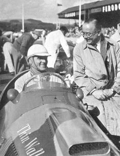 pinterest.com/fra411 #vintage #Formula1 - Giuseppe Farina in the thin wall special Ferrari, 1952 Woodcot Trophy, Goodwood