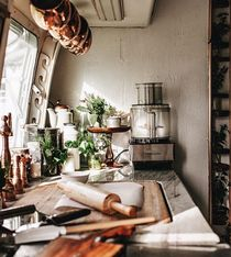 Airstream Living Remodel and Renovation: 44 Inspiration Photos – Vanchitecture Airstream Living, Airstream Remodel, Airstream Renovation, Airstream Interior, Trailer Interior, Vintage Airstream, Vintage Campers, Airstream Decor, Vintage Homes