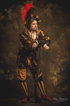 Russian Warhammer LARPs are insane . BorsBors brings us this incredibly detailed Imperial Engineer costume . The Renaissance-style posing . Renaissance Fashion, Renaissance Clothing, Renaissance Era, Fantasy Armor, Medieval Fantasy, Larp, Warhammer Fantasy Roleplay, Warhammer Empire, German Costume