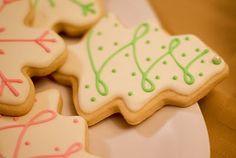 Holiday Sugar Cookies - LOVE this decorating!