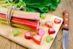 What Is Rhubarb? Nutrition Facts and Health Benefits of Rhubarb Diet And Nutrition, Growing Rhubarb, Tart Taste, Rhubarb Cake, Raspberry Rhubarb, Rhubarb Recipes, Rhubarb Desserts, Good Smoothies, Deserts