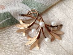 Creations from the heart and a touch of vintage finds. by Loren on Etsy